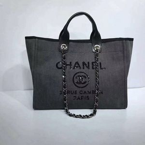 Chanel Beach Tote New Check Description